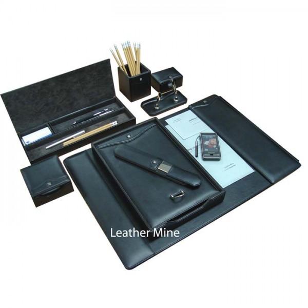 DS101 : Desk Set
