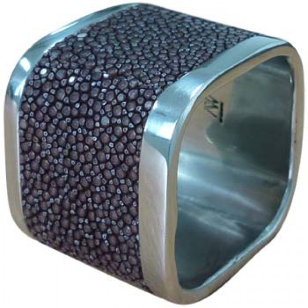 MD094 Stingray Napkin Ring B3